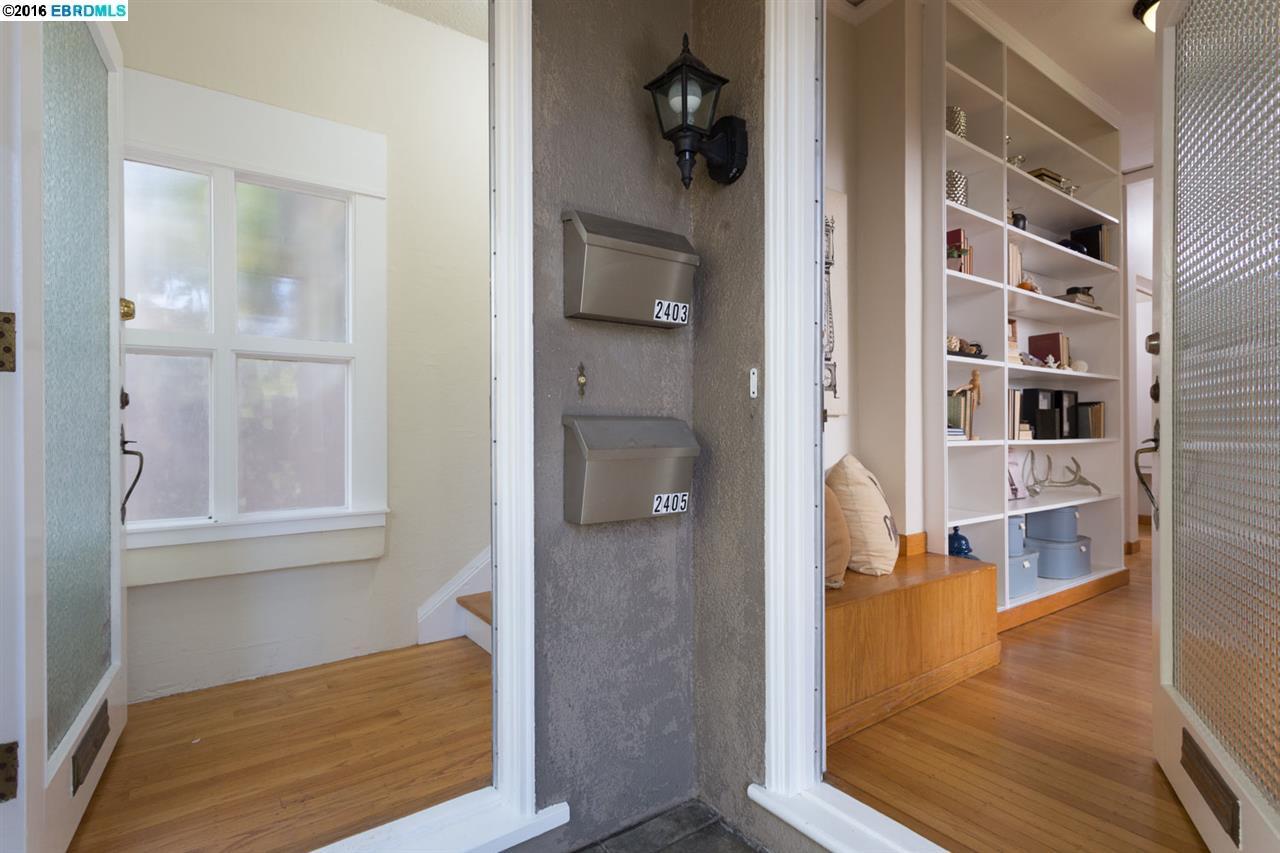 Additional photo for property listing at 2405 Hillside Avenue  Berkeley, California 94704 Estados Unidos