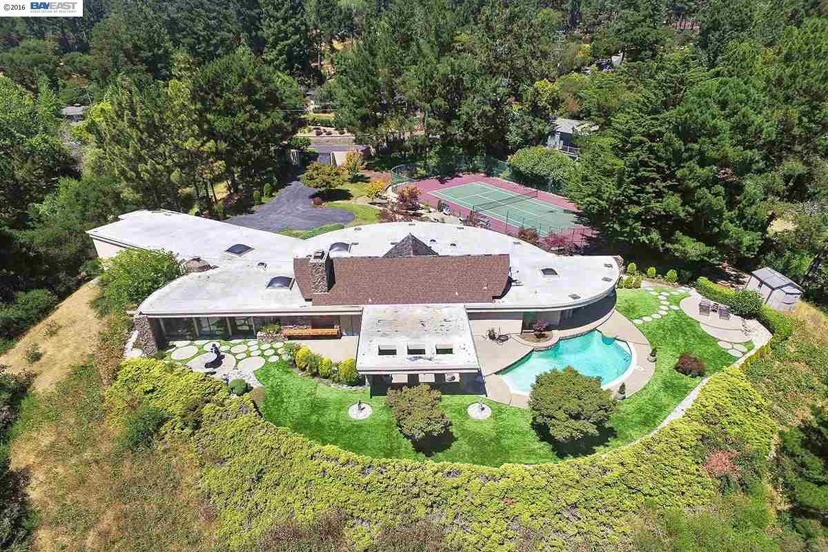 Oakland                                                                      , CA - $2,800,000