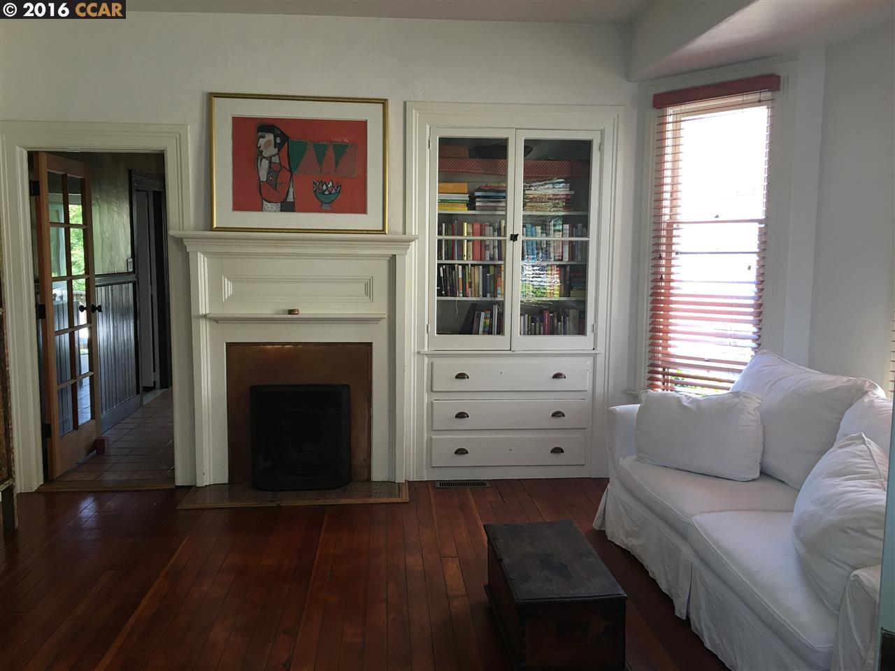Частный односемейный дом для того Продажа на 2148 SACRAMENTO Street Berkeley, Калифорния 94702 Соединенные Штаты