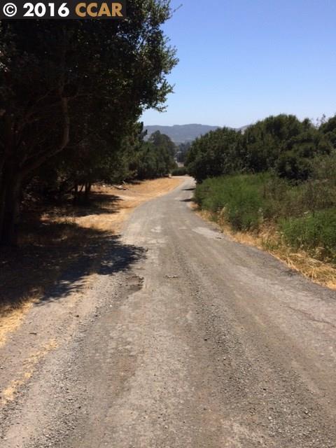 Земля для того Продажа на SOBRANTE Avenue El Sobrante, Калифорния 94803 Соединенные Штаты