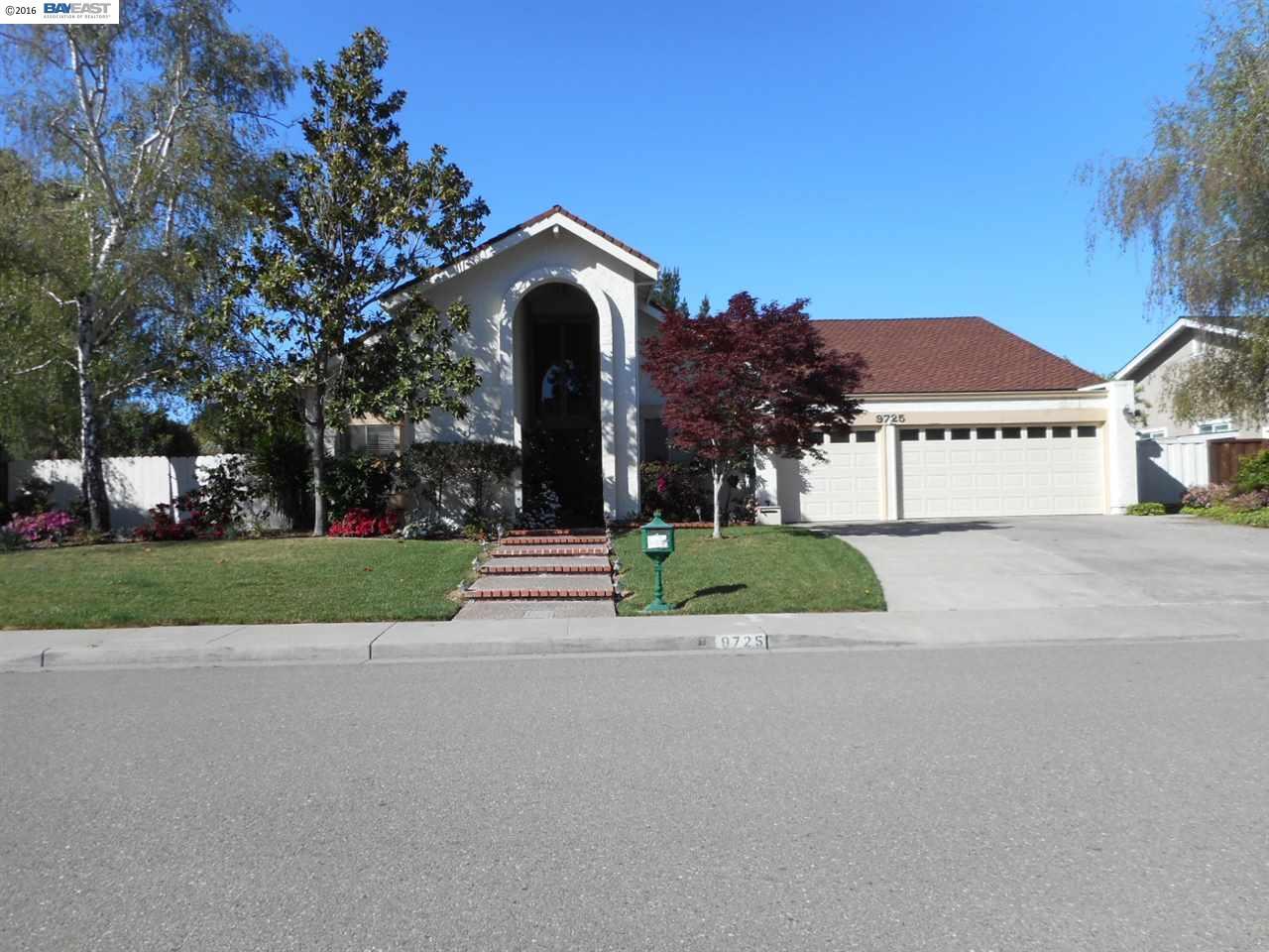 Частный односемейный дом для того Продажа на 9725 Blue Mound Drive San Ramon, Калифорния 94583 Соединенные Штаты