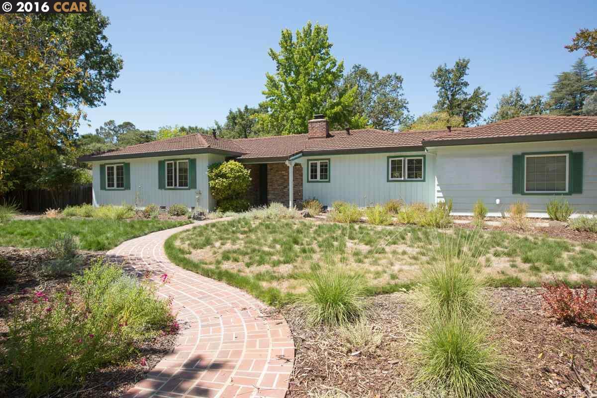 Maison unifamiliale pour l Vente à 121 EASY Street Alamo, Californie 94507 États-Unis