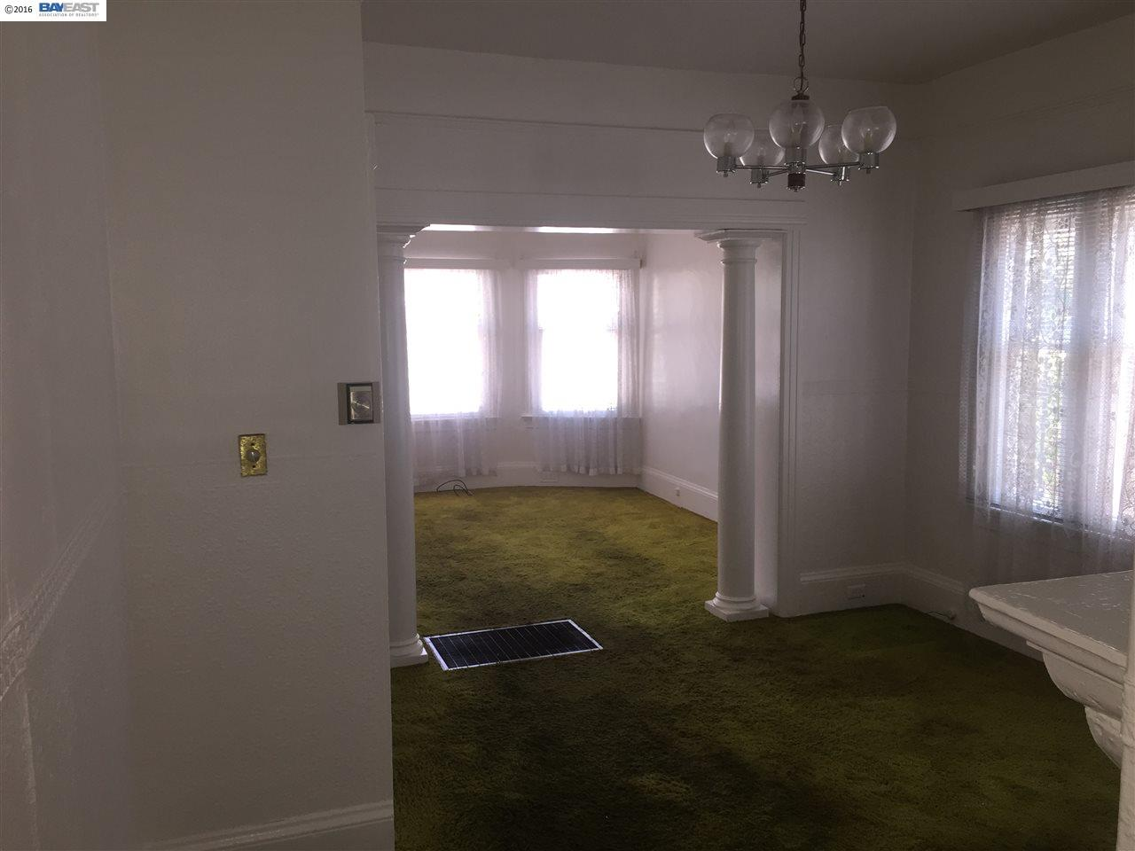 Additional photo for property listing at 927 33RD Street  Oakland, California 94608 United States