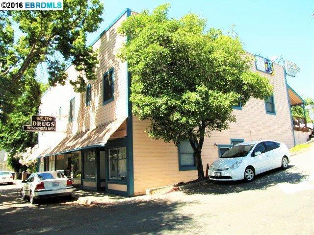 Casa Multifamiliar por un Venta en 14112 Market Street Walnut Grove, California 95690 Estados Unidos