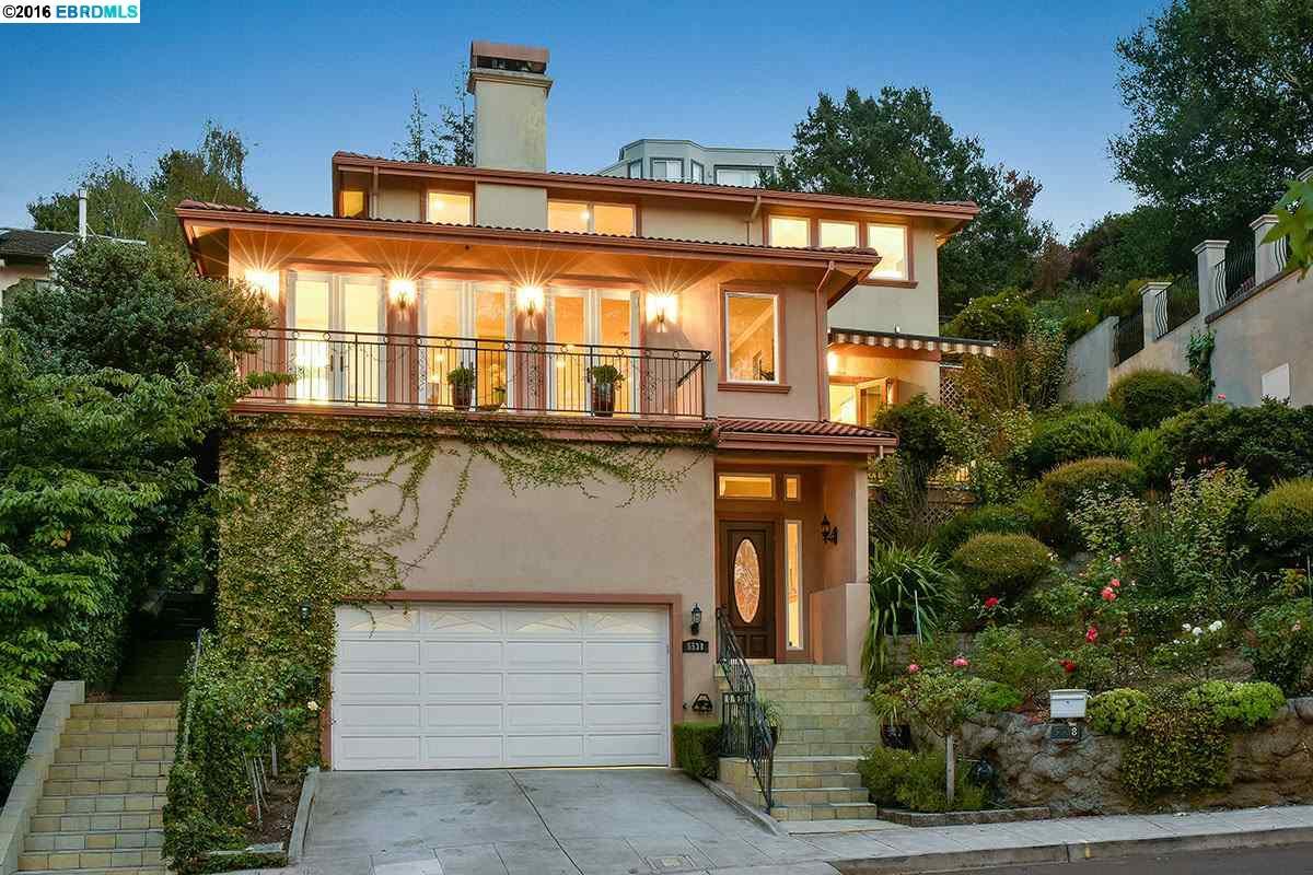 Oakland                                                                      , CA - $1,899,000