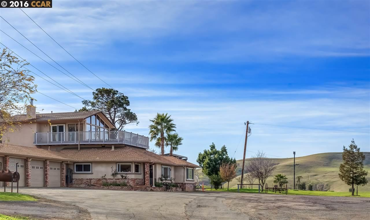 Casa Unifamiliar por un Venta en 5518 PINE HOLLOW Road Concord, California 94521 Estados Unidos