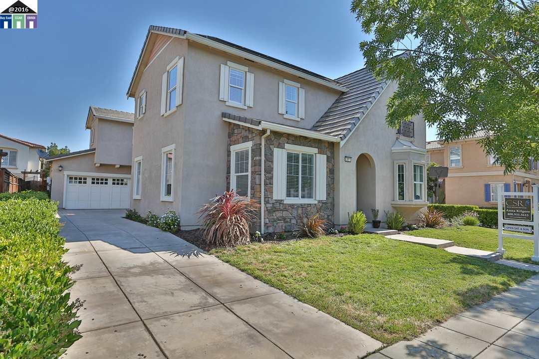 Casa Unifamiliar por un Venta en 367 W Camarada Court Mountain House, California 95391 Estados Unidos