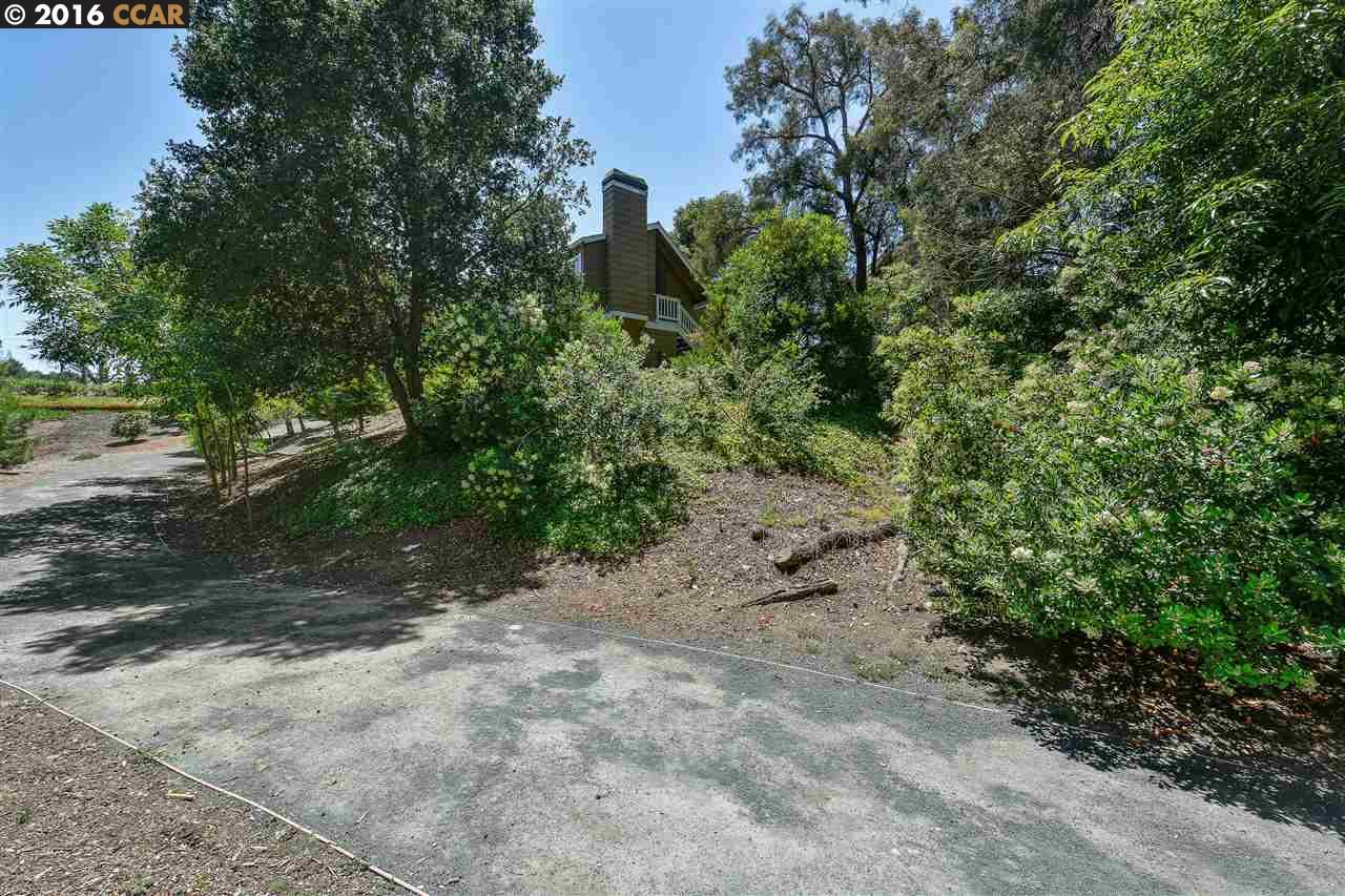 Additional photo for property listing at 412 MILL Road  Martinez, カリフォルニア 94553 アメリカ合衆国