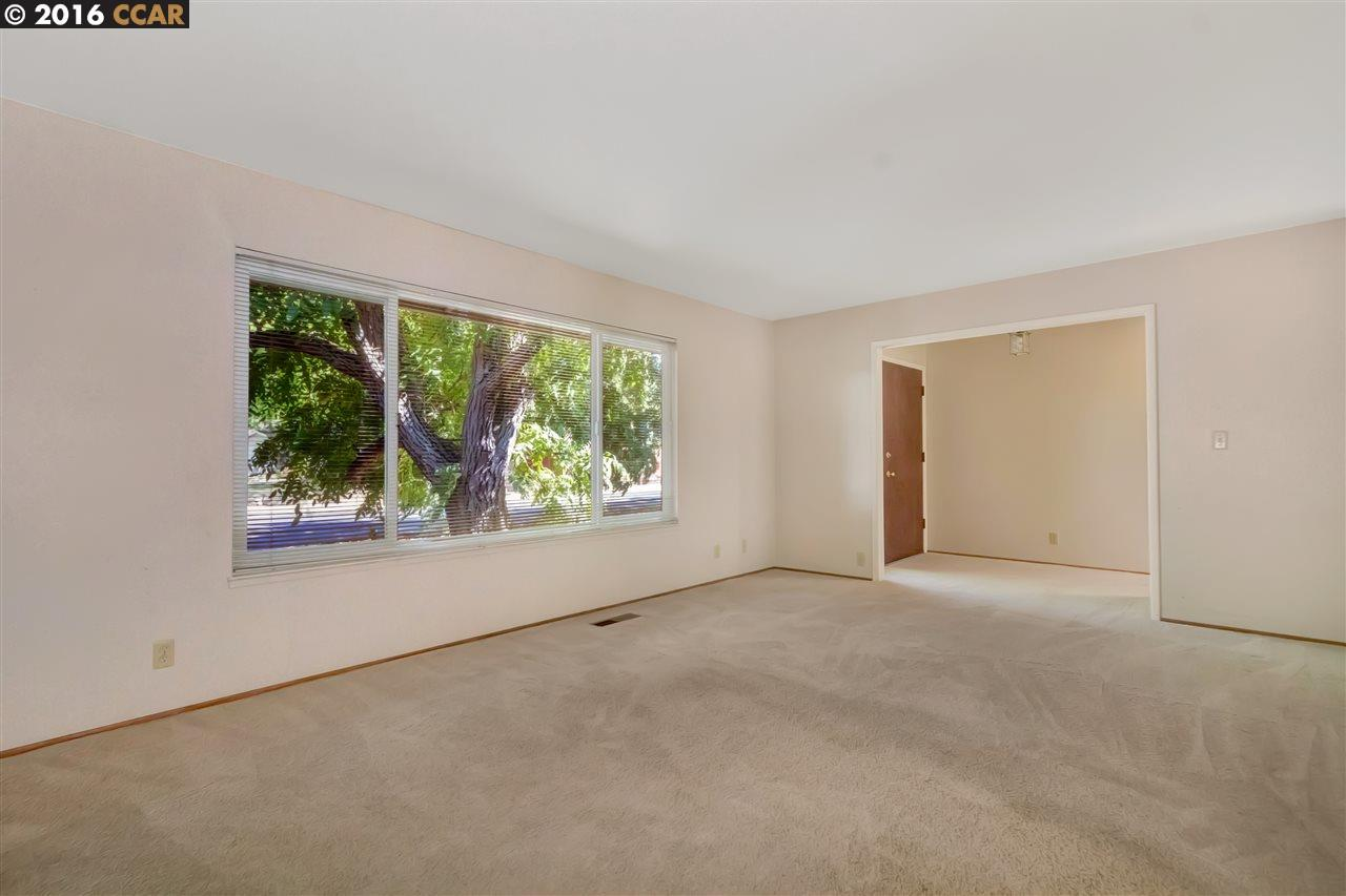 Additional photo for property listing at 985 MOHR Lane 985 MOHR Lane Concord, California 94518 Estados Unidos