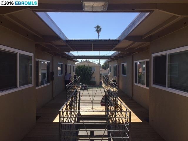 多戶家庭房屋 為 出售 在 146th 19th Street 146th 19th Street Richmond, 加利福尼亞州 94804 美國