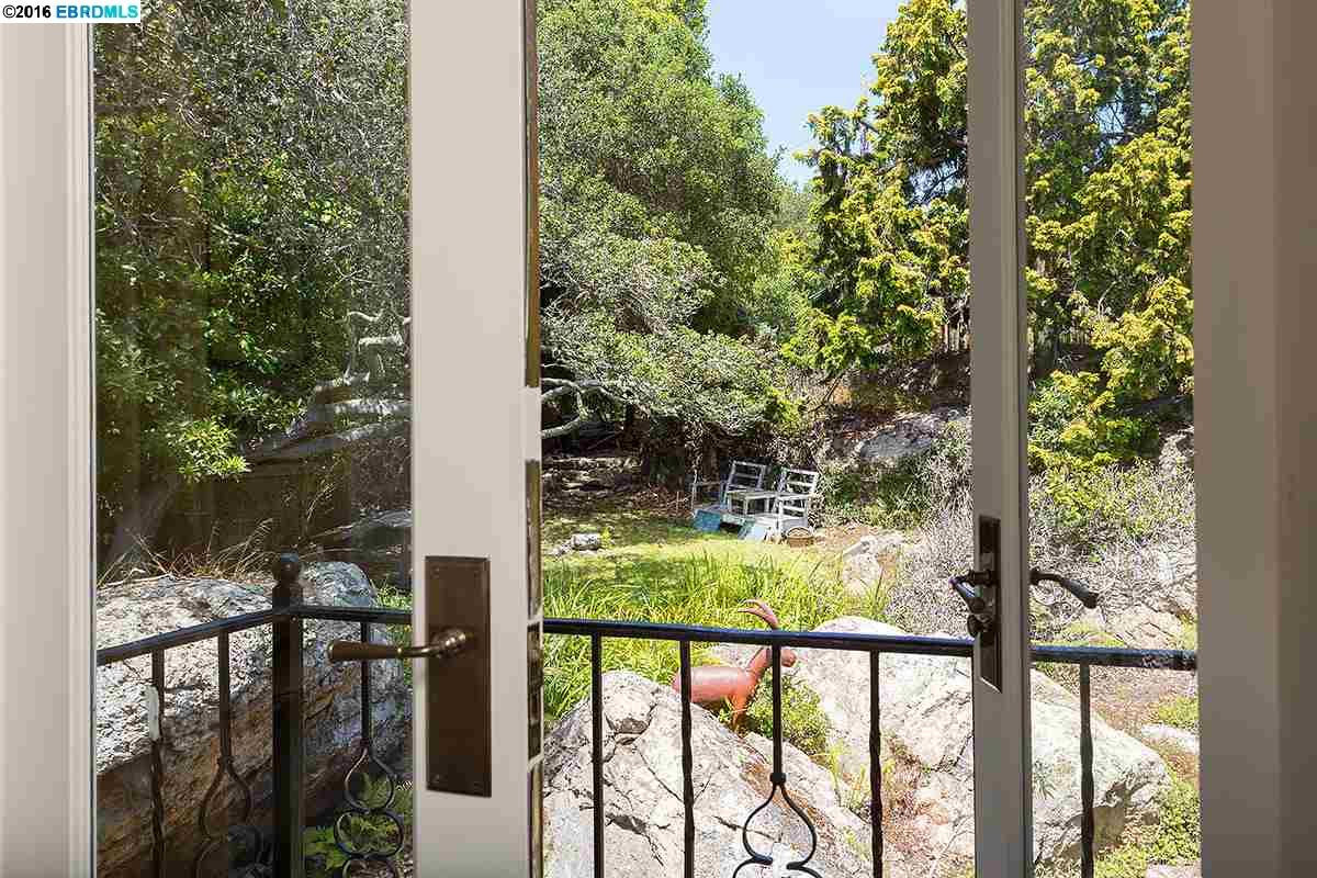 1864 YOSEMITE ROAD, BERKELEY, CA 94707  Photo