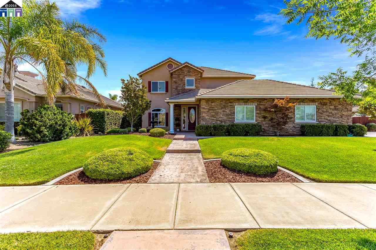 Single Family Home for Sale at 1004 N Ripon Ripon, California 95366 United States