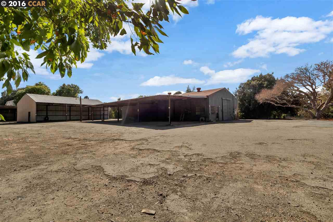 Additional photo for property listing at 985 MOHR Lane  Concord, California 94518 United States