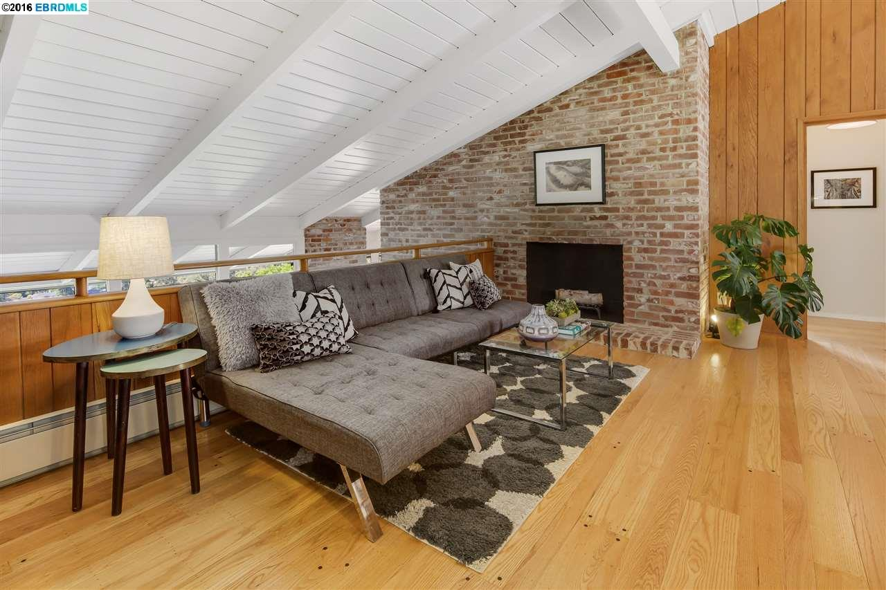 Additional photo for property listing at 315 Pershing Drive  Oakland, California 94611 United States