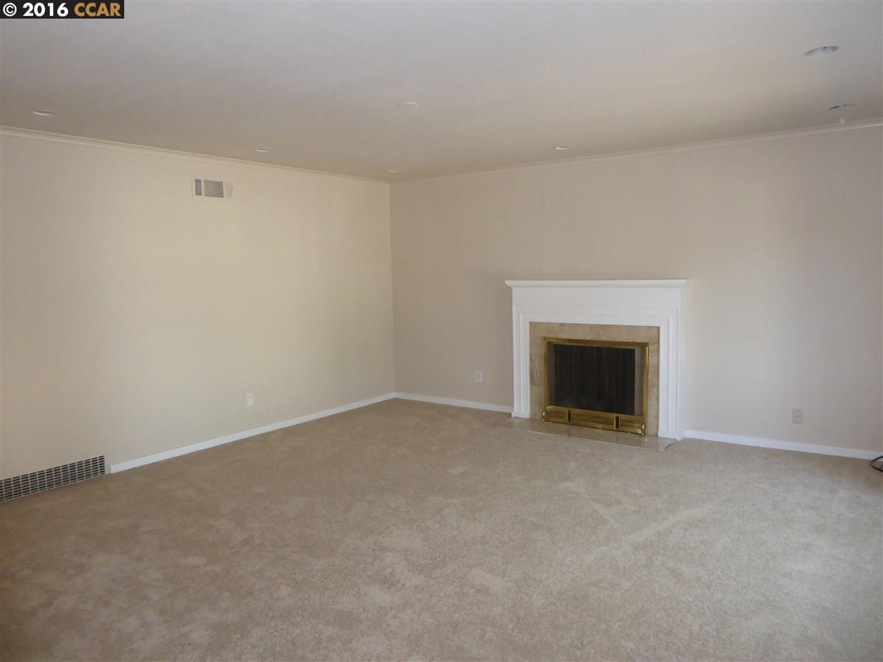 Additional photo for property listing at 623 W 14Th Street  Antioch, カリフォルニア 94509 アメリカ合衆国