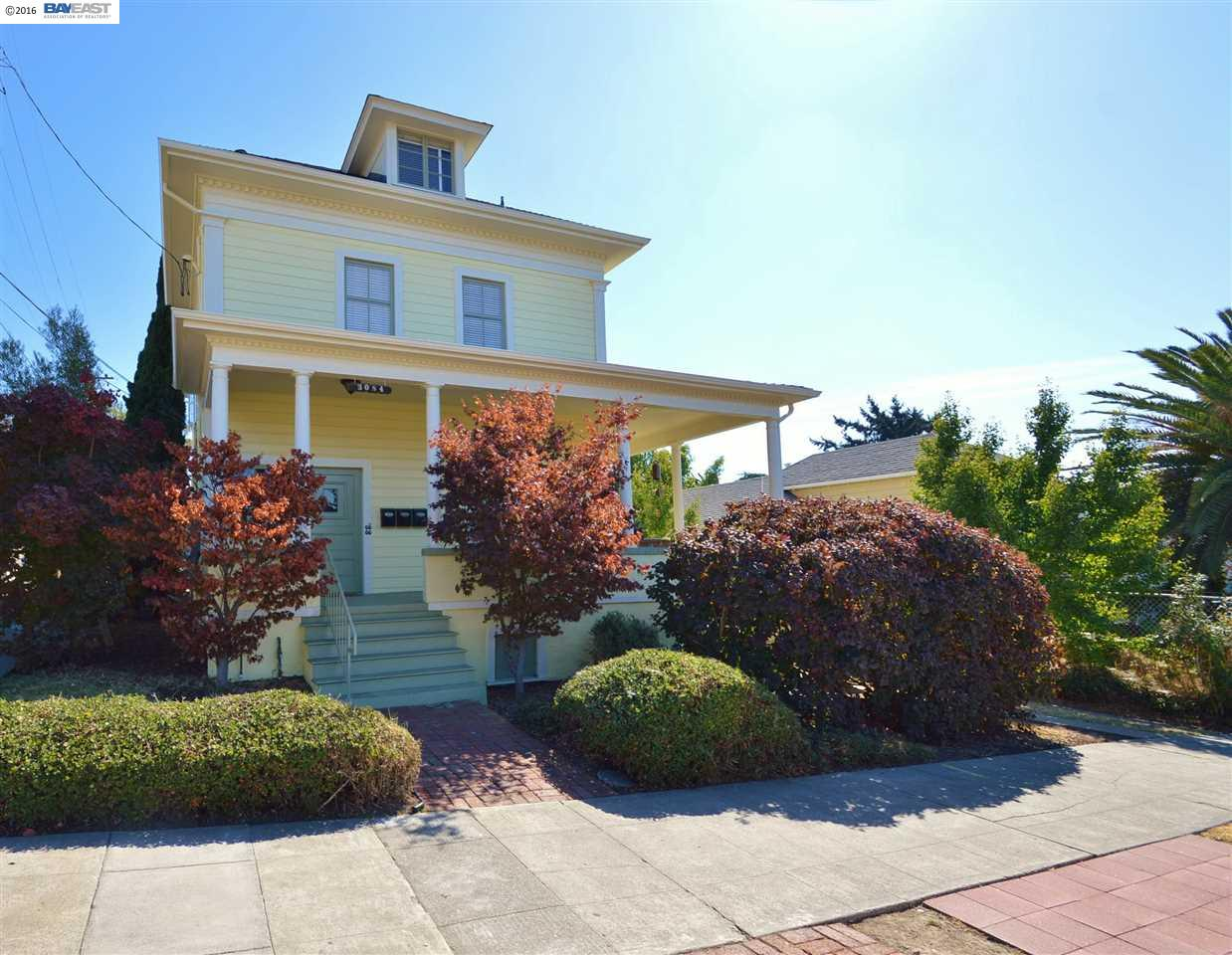 Additional photo for property listing at 3084 22nd Avenue 3084 22nd Avenue Oakland, California 94602 United States