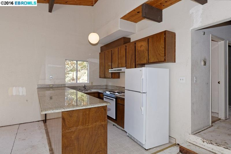 Additional photo for property listing at 6012 Balboa Drive  Oakland, Калифорния 94611 Соединенные Штаты