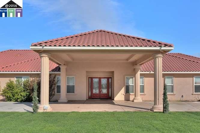 Single Family Home for Sale at 323 E Vernalis Road Tracy, California 95304 United States