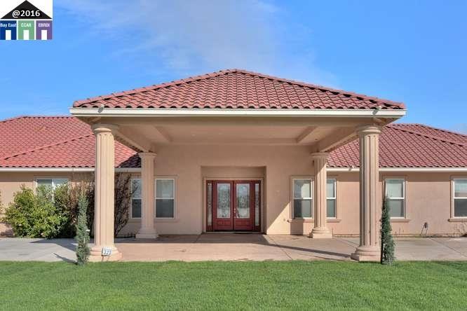 Частный односемейный дом для того Продажа на 323 E Vernalis Road Tracy, Калифорния 95304 Соединенные Штаты