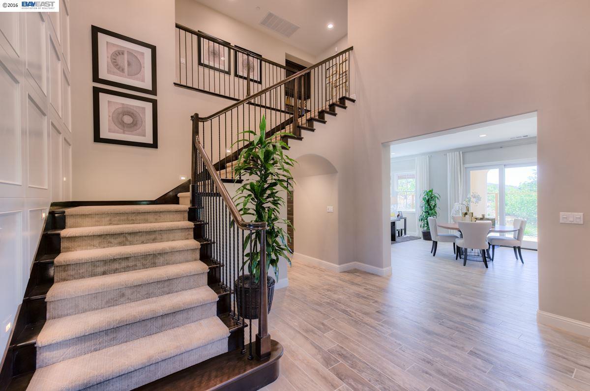 Single Family Home for Sale at 196 Willowbrook Lane Moraga, California 94556 United States