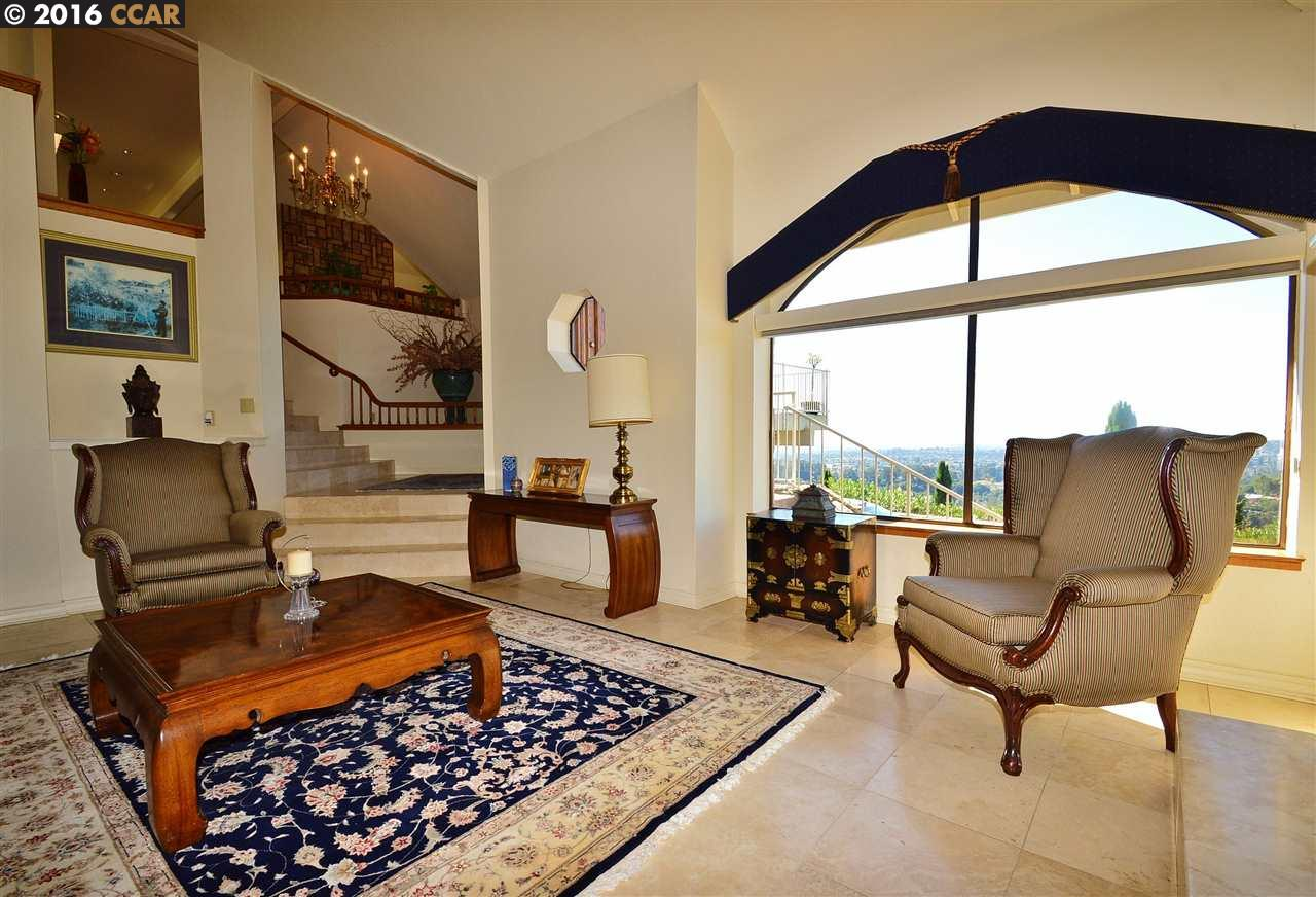 Additional photo for property listing at 20438 View Point Road  Castro Valley, California 94552 United States