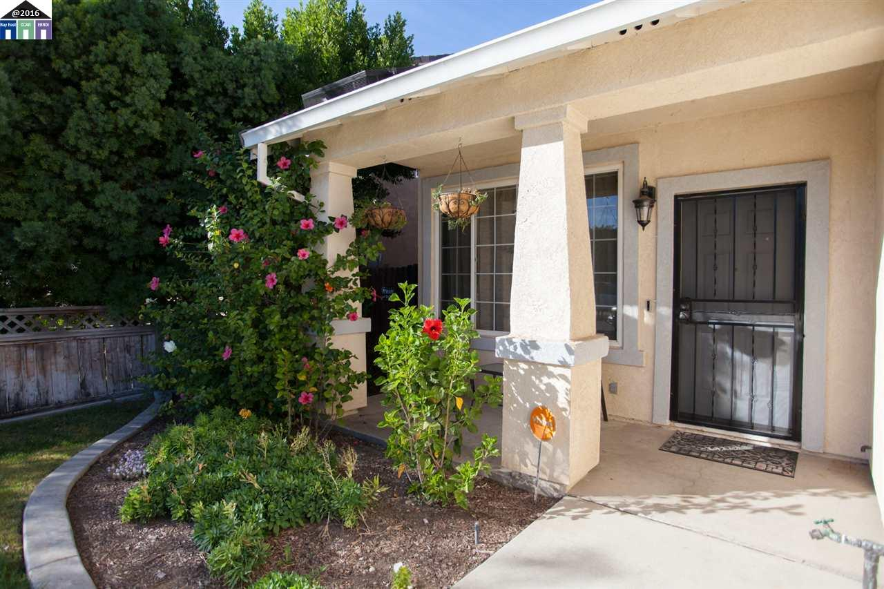 Additional photo for property listing at 1753 Woodland  Tracy, California 95376 United States