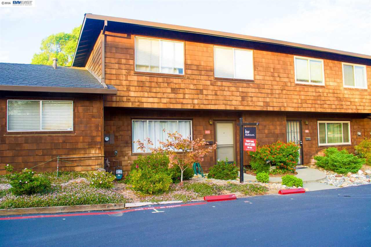 Townhouse for Sale at 4118 Ravenwood Place Castro Valley, California 94546 United States