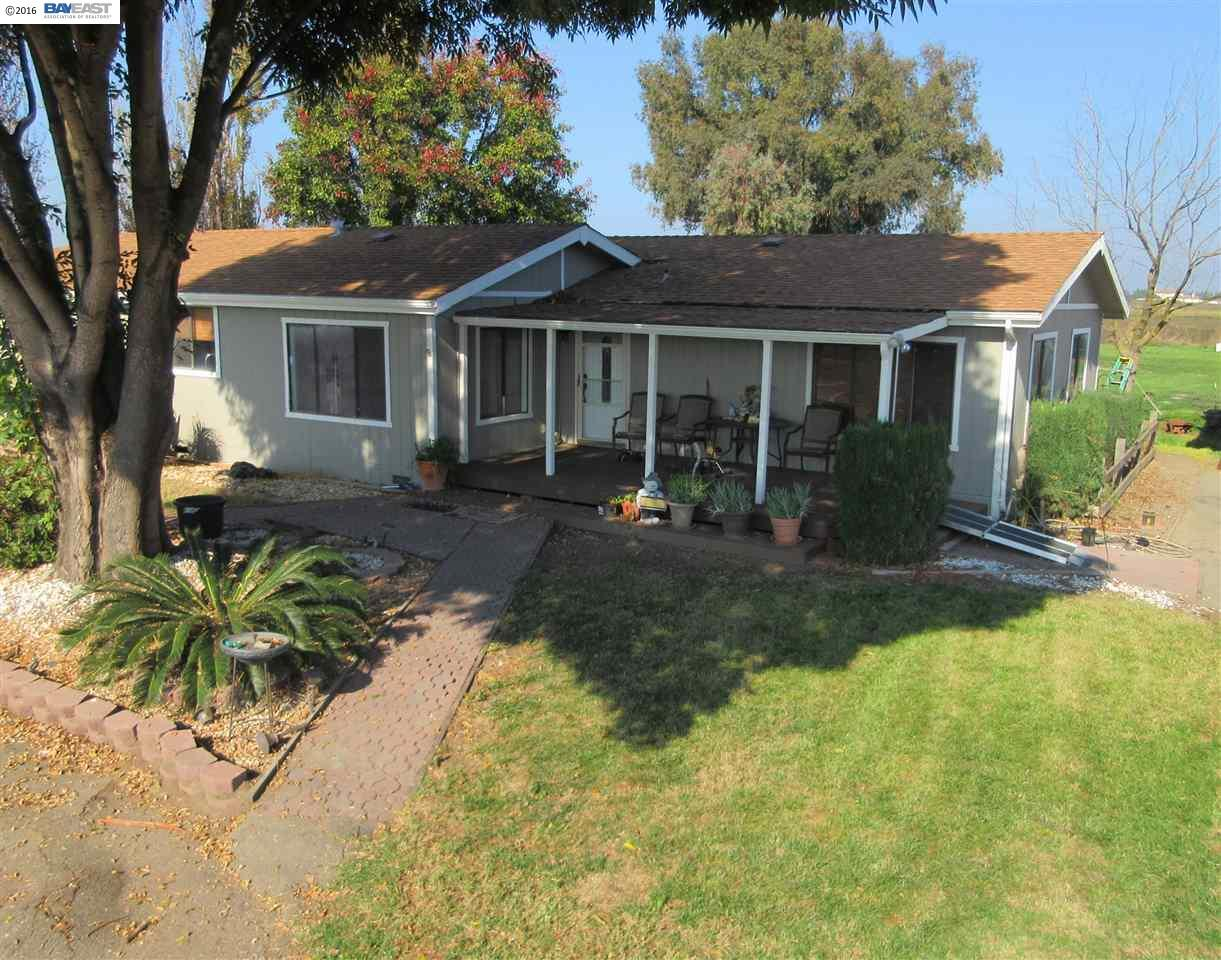 Single Family Home for Sale at 12271 W Bethany Road 12271 W Bethany Road Tracy, California 95304 United States