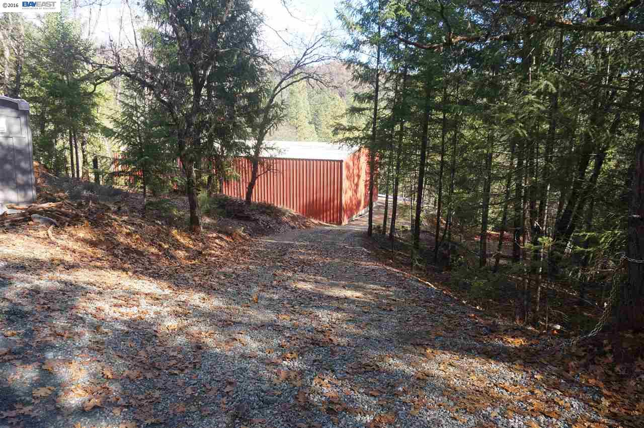 Additional photo for property listing at 321 Black Bear Road 321 Black Bear Road Weaverville, California 96093 Estados Unidos