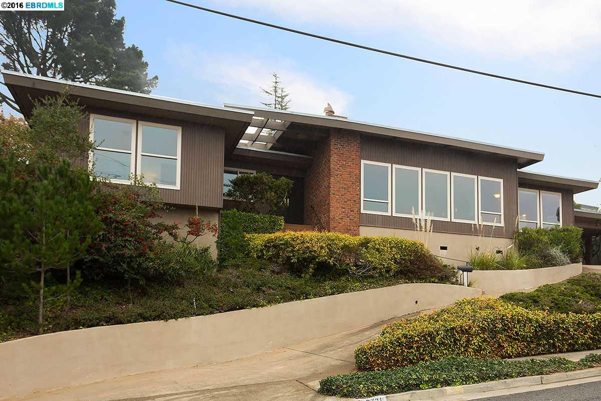 Additional photo for property listing at 8731 DON CAROL DRIVE  El Cerrito, Kalifornien 94530 Vereinigte Staaten