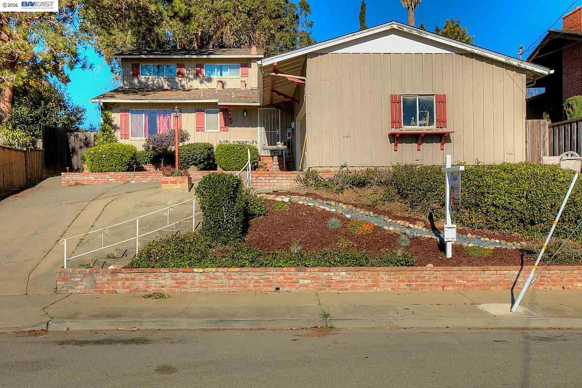 Single Family Home for Sale at 4772 Malabar Castro Valley, California 94546 United States