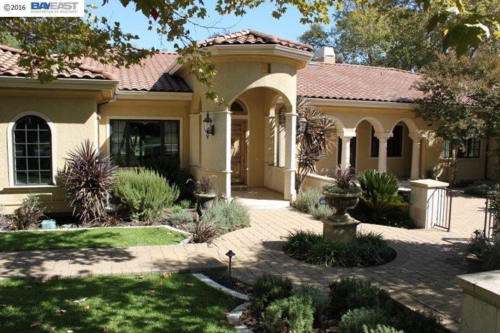 Single Family Home for Sale at 8113 War Glory Place Pleasanton, California 94588 United States