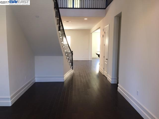 Additional photo for property listing at 2312 Silver Oaks Lane 2312 Silver Oaks Lane Pleasanton, California 94566 United States
