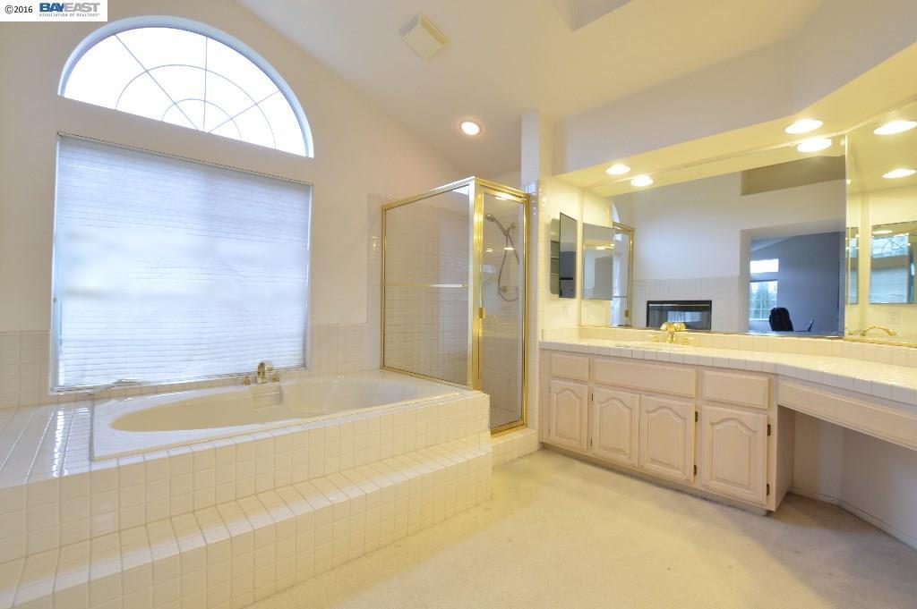 Additional photo for property listing at 4510 Riding Club Court  Hayward, California 94542 Estados Unidos