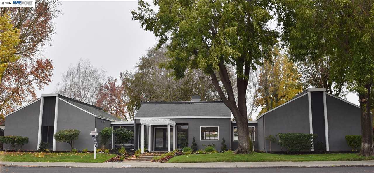 Einfamilienhaus für Verkauf beim 3850 Petersburg Circle Stockton, Kalifornien 95219 Vereinigte Staaten