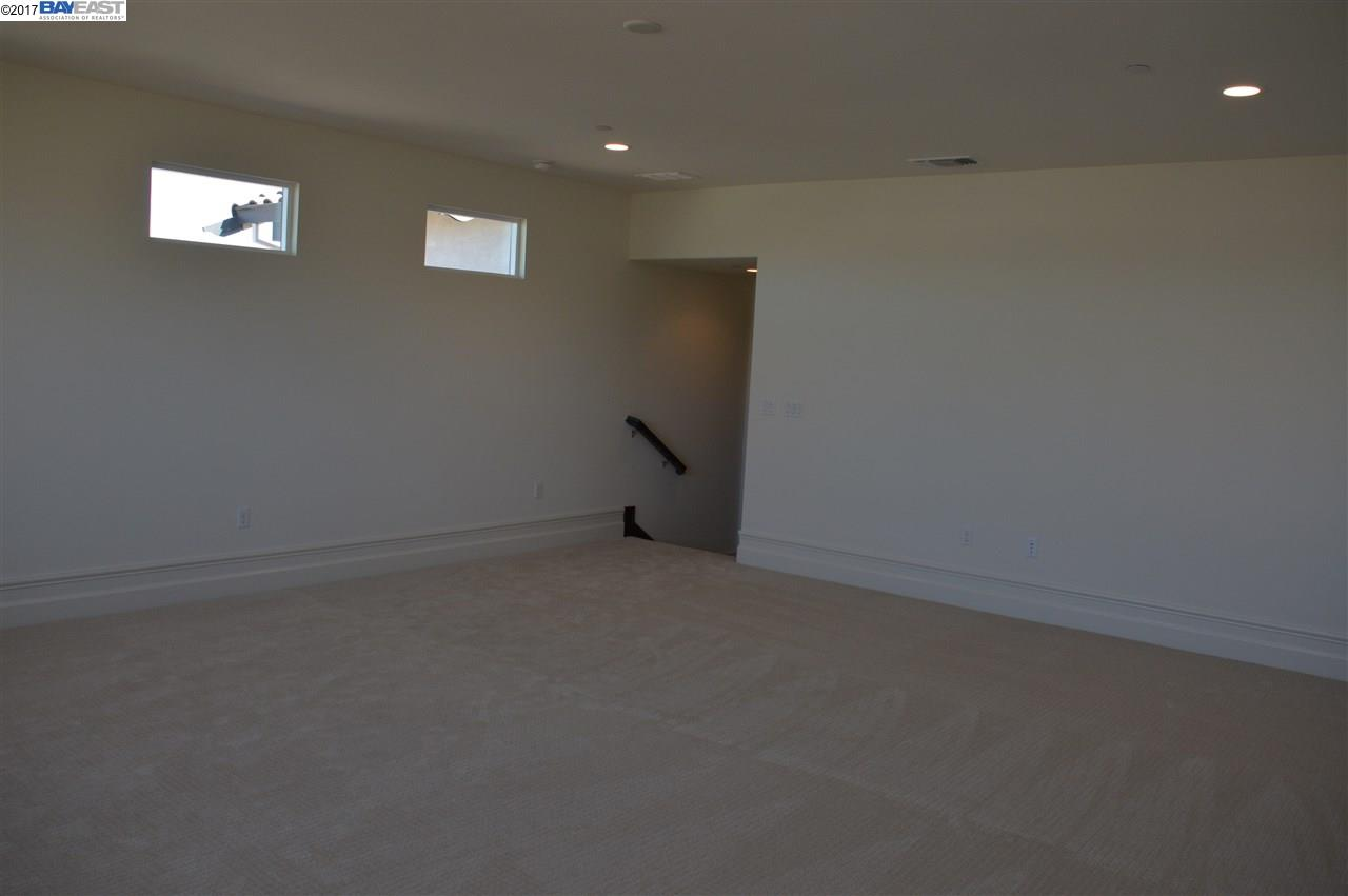 Additional photo for property listing at 2330 Silver Oaks Lane 2330 Silver Oaks Lane Pleasanton, California 94566 United States