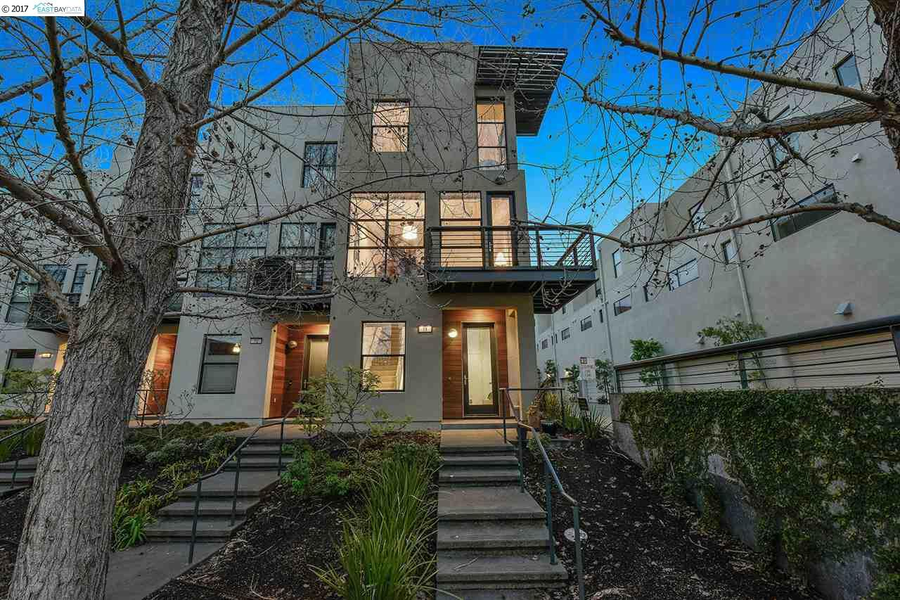 Townhouse for Sale at 11 City Limits Circle Emeryville, California 94608 United States