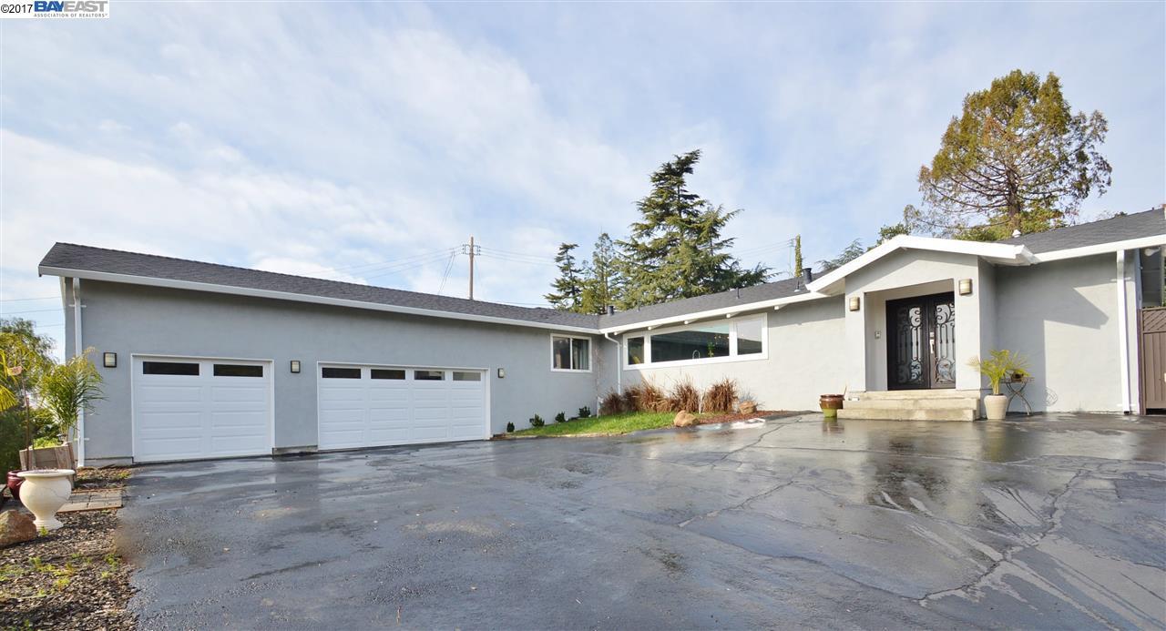 Einfamilienhaus für Verkauf beim 5240 Jensen Road Castro Valley, Kalifornien 94552 Vereinigte Staaten