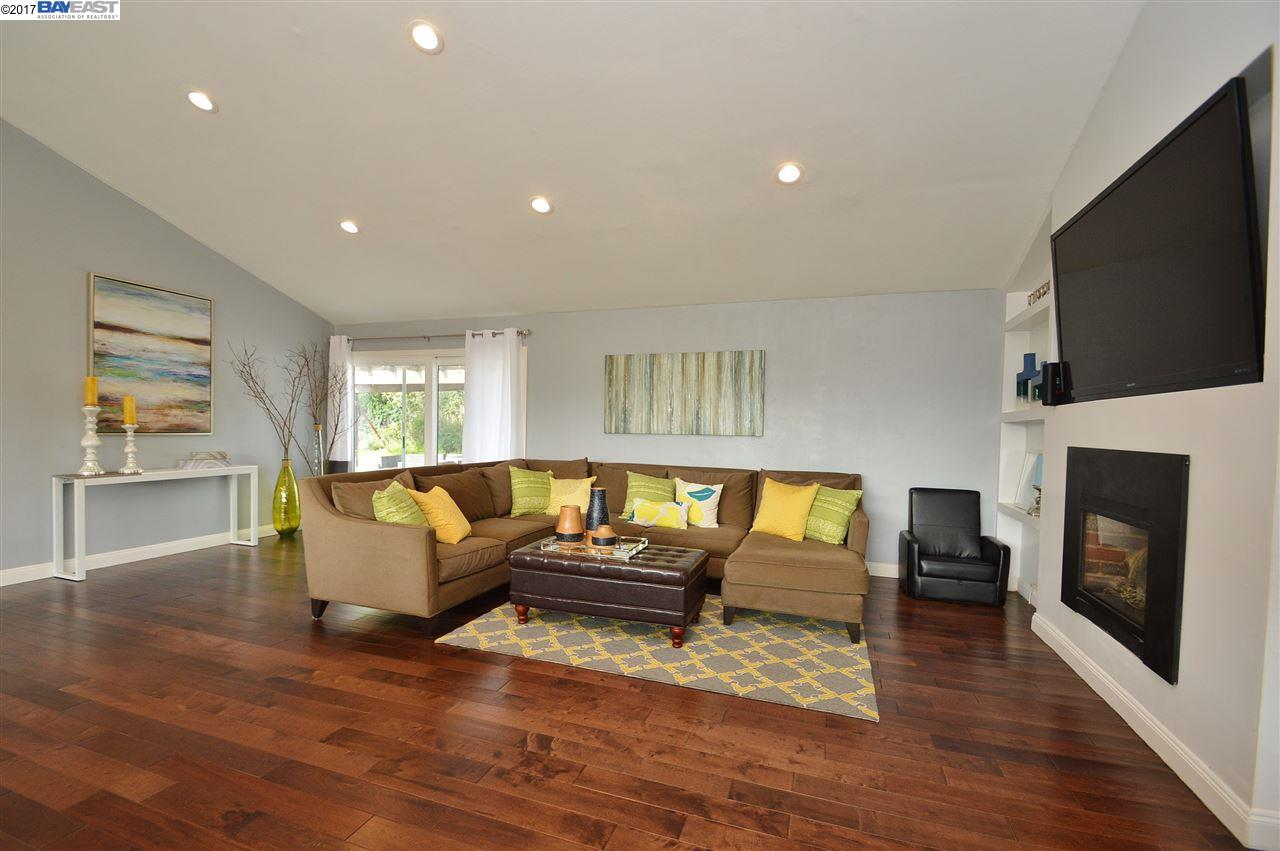 Additional photo for property listing at 5240 Jensen Road  Castro Valley, California 94552 United States