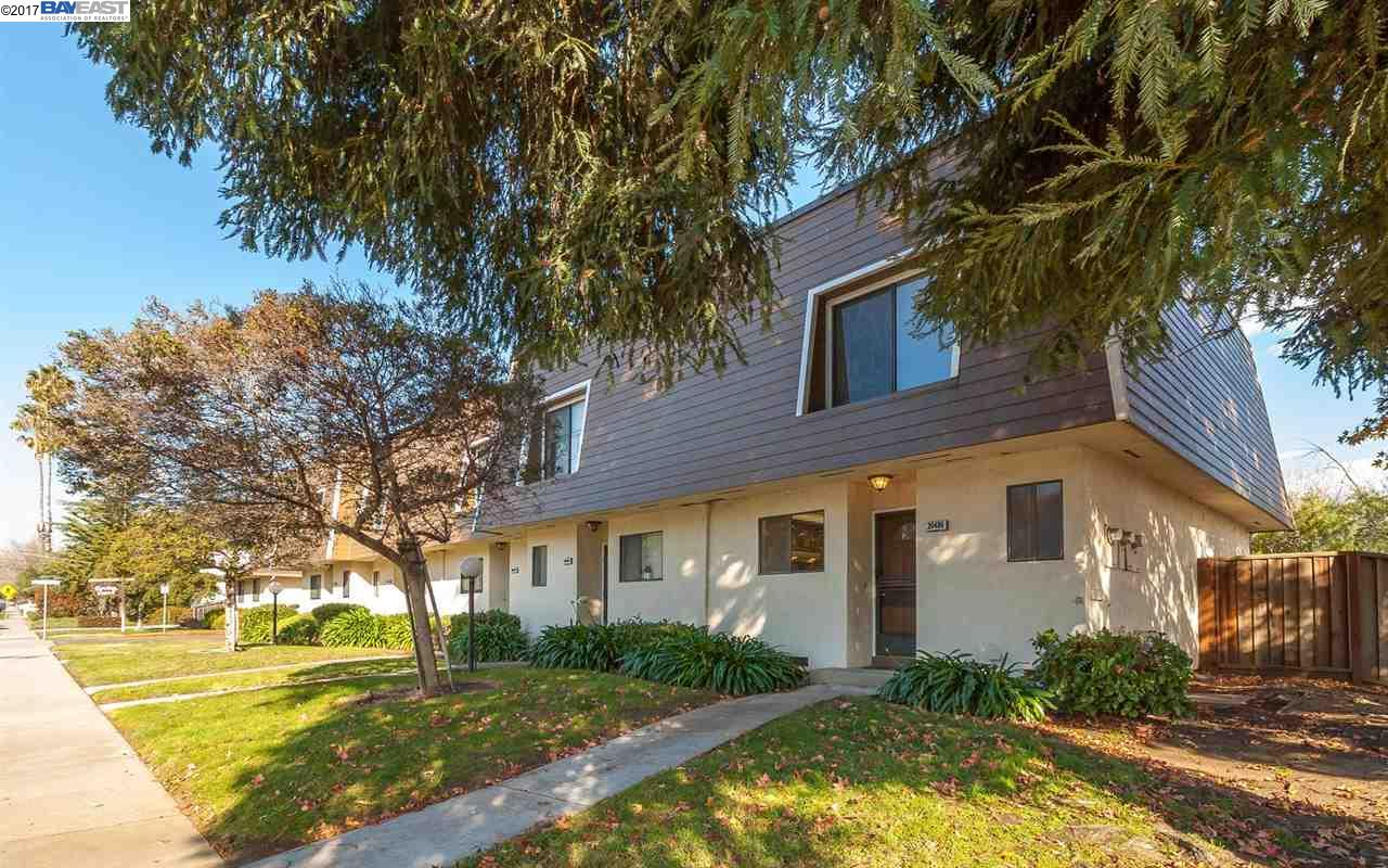 Townhouse for Sale at 20486 Wisteria Street Castro Valley, California 94546 United States