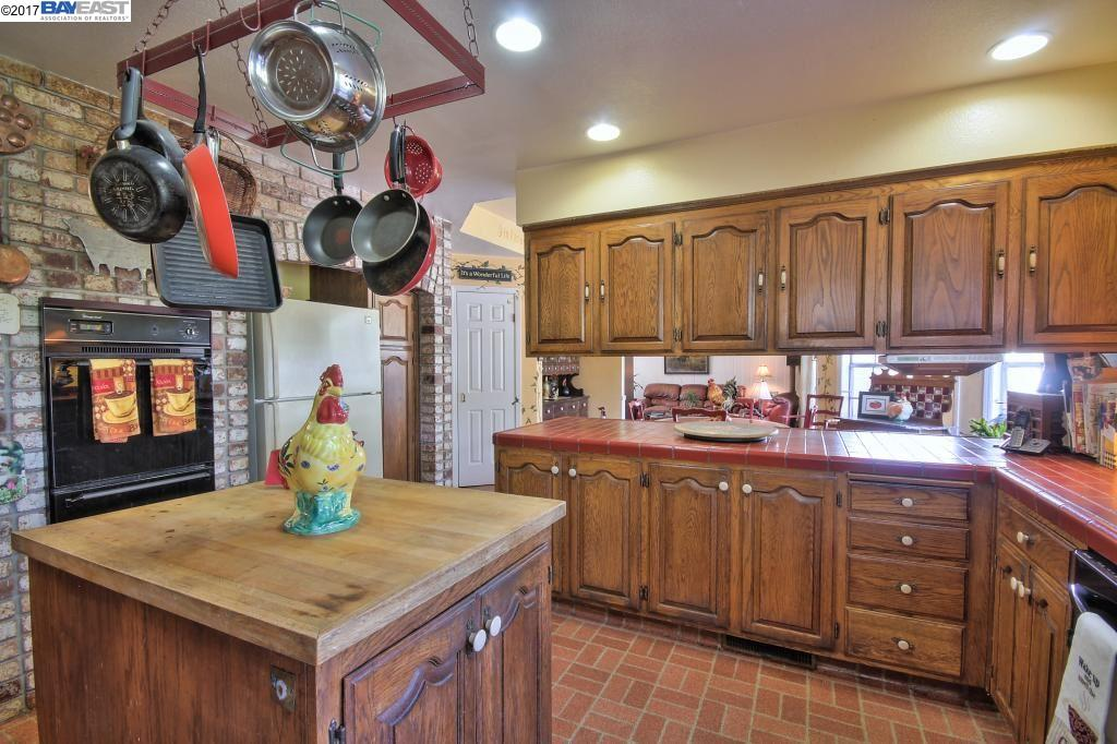 Additional photo for property listing at 1648 LOMITAS Avenue  Livermore, Калифорния 94550 Соединенные Штаты