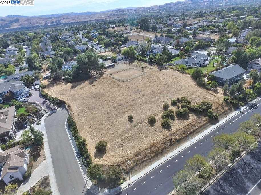 Additional photo for property listing at 1648 LOMITAS Avenue 1648 LOMITAS Avenue Livermore, 加利福尼亞州 94550 美國