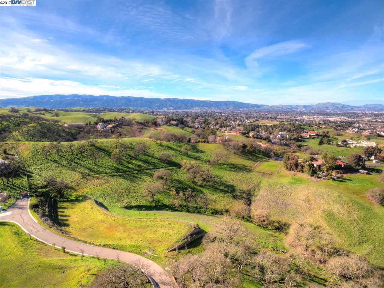 Additional photo for property listing at #6 Winding Oaks Drive  Pleasanton, Kalifornien 94566 Vereinigte Staaten