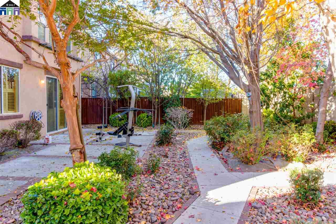 Additional photo for property listing at 2321 Cabana Lane  Tracy, California 95377 Estados Unidos