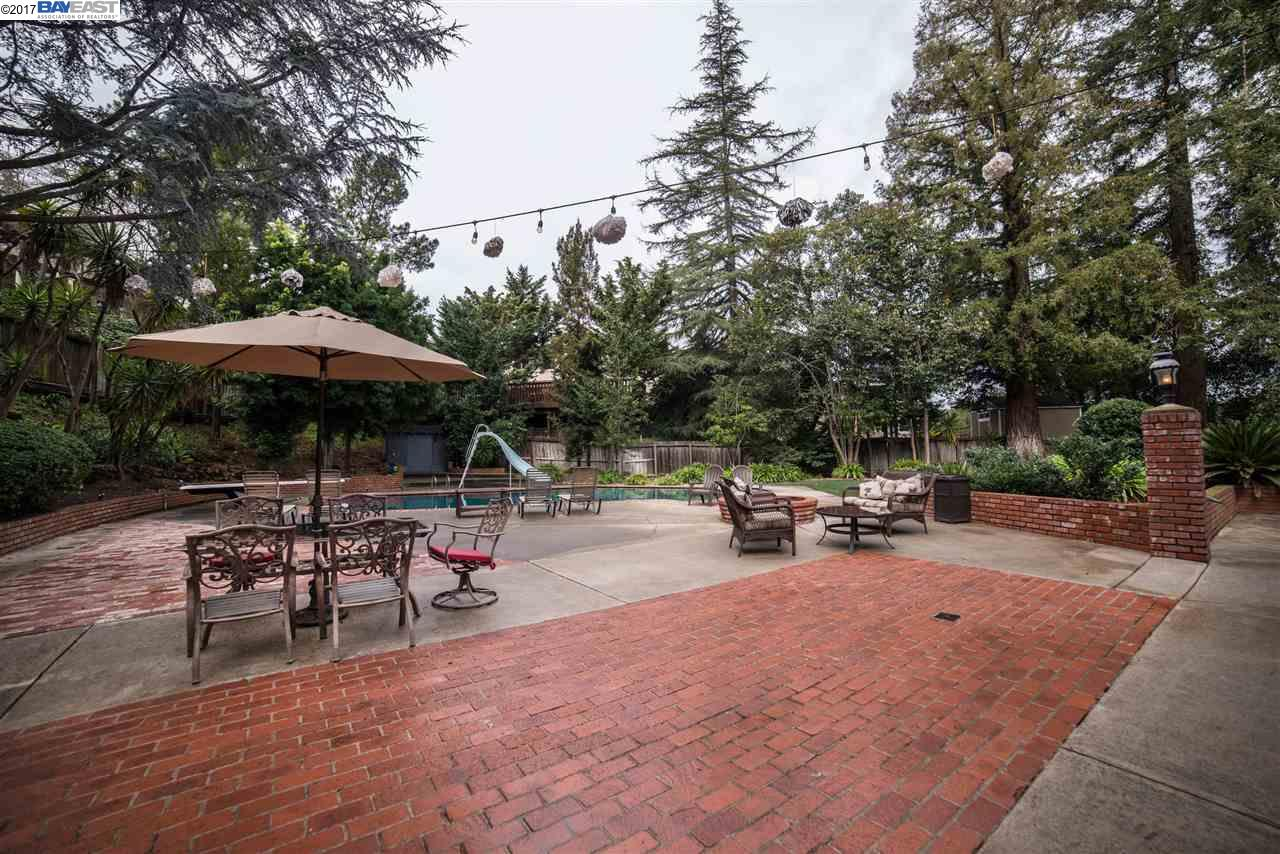 Additional photo for property listing at 4424 Ewing Road  Castro Valley, California 94546 United States