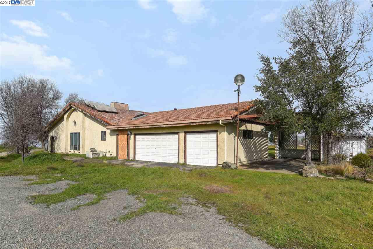 Additional photo for property listing at 255 Happy Valley Road  Pleasanton, California 94566 United States