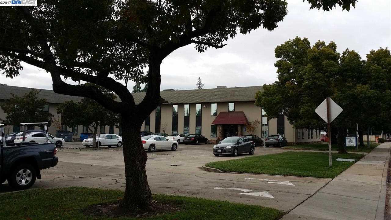 Einfamilienhaus für Mieten beim 4049 1st Street Suite Livermore, Kalifornien 94551 Vereinigte Staaten