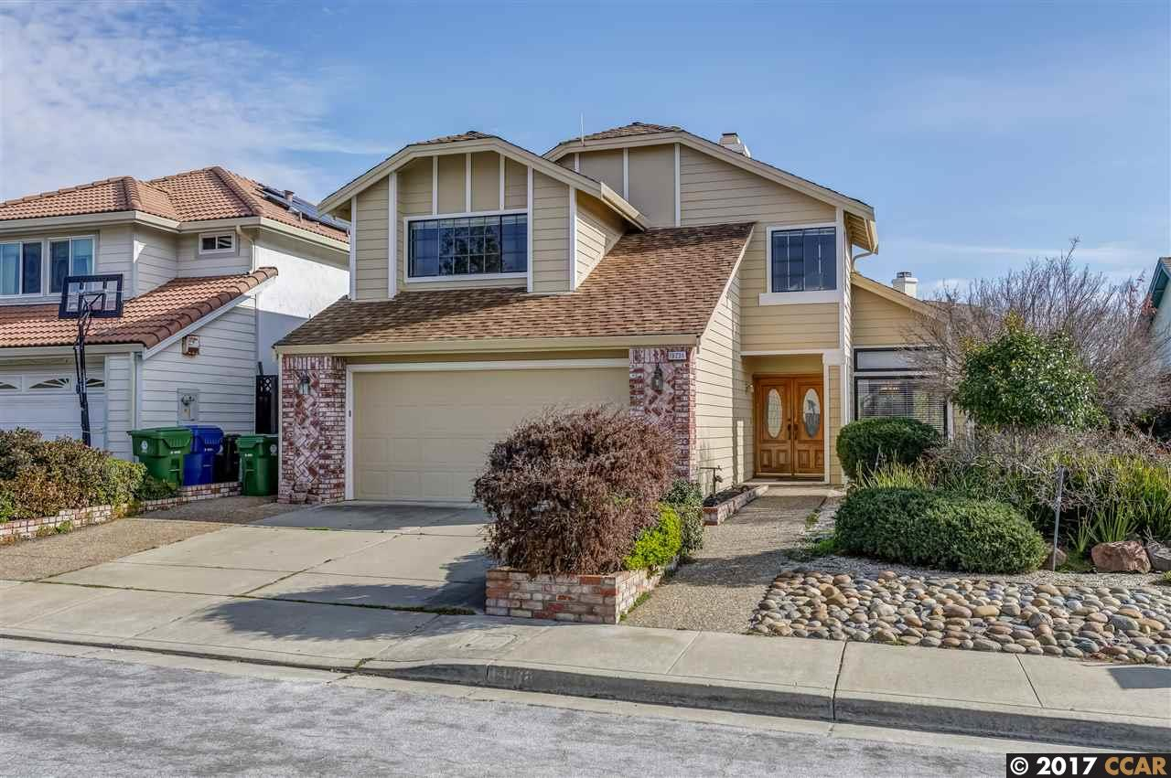 Single Family Home for Sale at 19236 Lakeridge Road Castro Valley, California 94546 United States