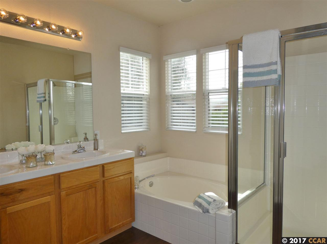 Additional photo for property listing at 77 Cleaveland Road  Pleasant Hill, カリフォルニア 94523 アメリカ合衆国
