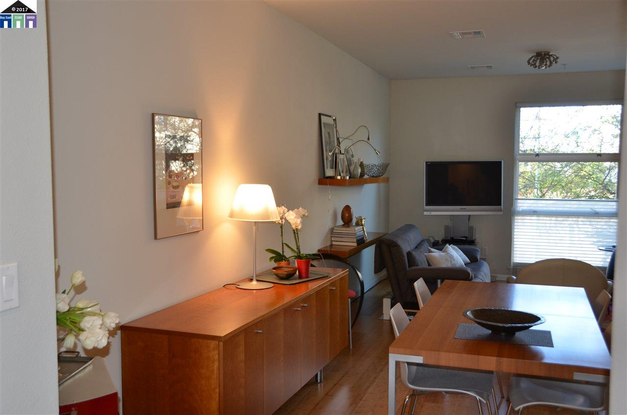 Maison accolée pour l Vente à 1285 65th Street Emeryville, Californie 94608 États-Unis
